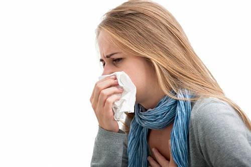 Неприємне лоскотання в горлі як причина кашлю