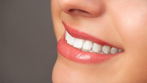 Як зробити зуби білішими?