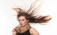 Избавляемся от наэлектризованных волос