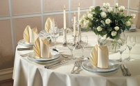 Общие правила сервировки стола: стеклянная посуда, салфетки, специи