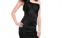 Базовый предмет гардероба: черное платье